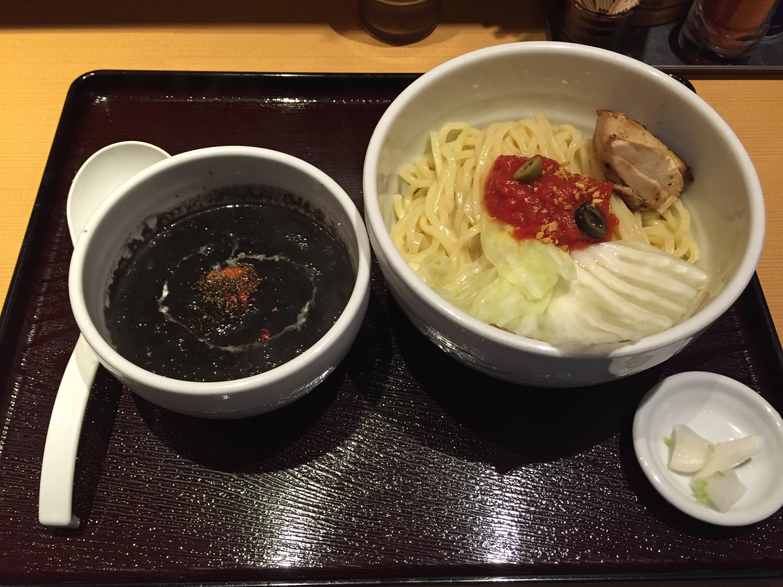 新潟濃厚味噌 弥彦のイカスミBlackつけ麺