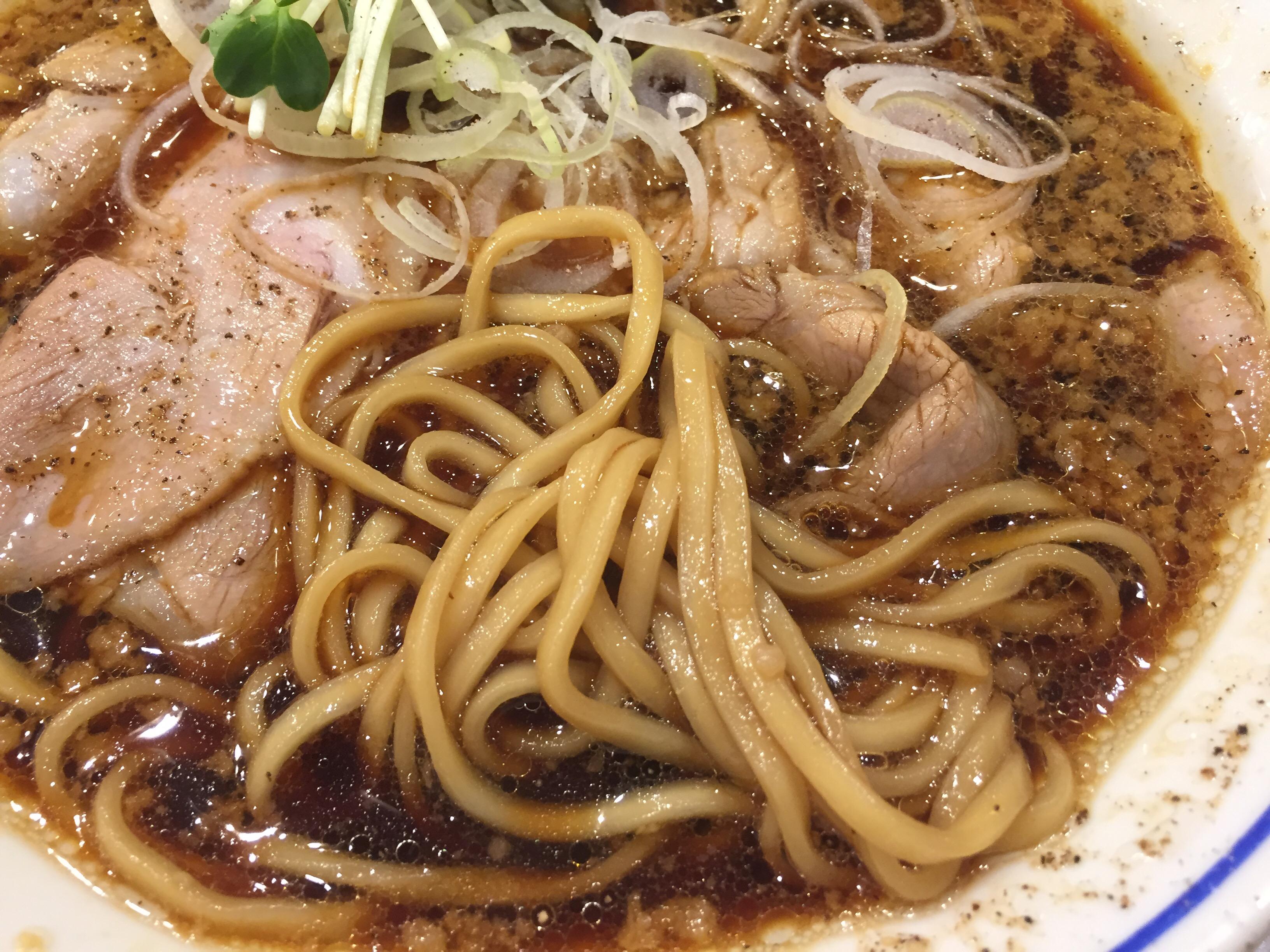 醤油中華そばの麺