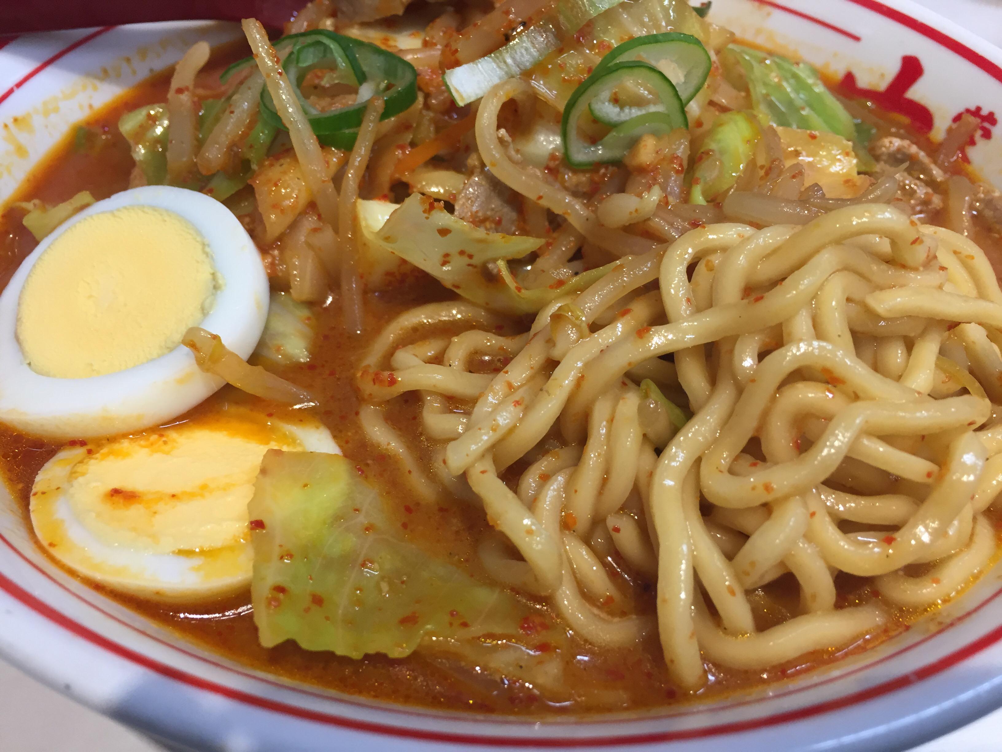 五目味噌タンメンの麺
